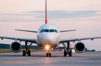 sistema de combustível de avião